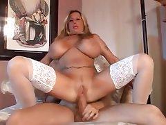 Milf with huge boobs hardcore sex