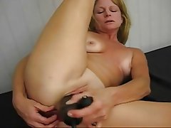 amateur milf masturbating hot