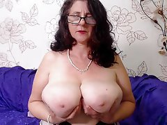 Big tits mature cams