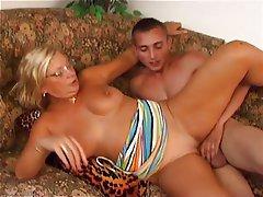 Girl in bikini porn