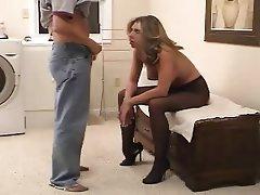 Amateur Pantyhose Blowjob