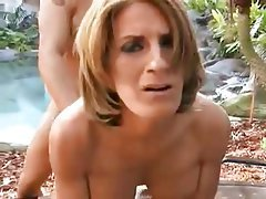 Amateur mature blonde dharma dildos pussy outdoors