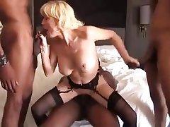 Girls masterbaiting naked pics
