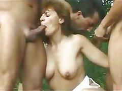 Penetrando transexual madura (fucking mature transexual)